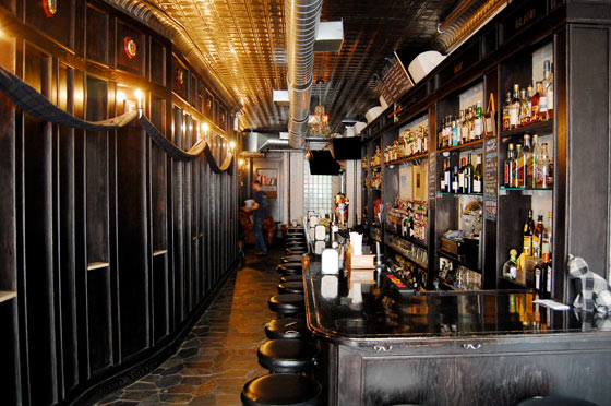 Caledonia Scottish Pub Drink Nyc The Best Happy Hours