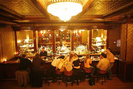 Back Room The Drink Nyc The Best Happy Hours Drinks
