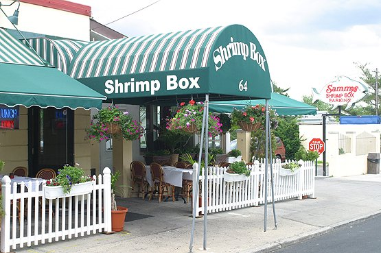 Sammy's Shrimp Box - Drink NYC - The Best Happy Hours, Drinks & Bars in New York City