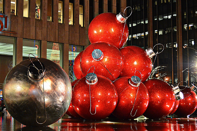 its christmas in new york which means its time to hit up the hotel bars the kosher steakhouses and the asian restaurantsin other words all the places - Nyc Restaurants Open Christmas Day