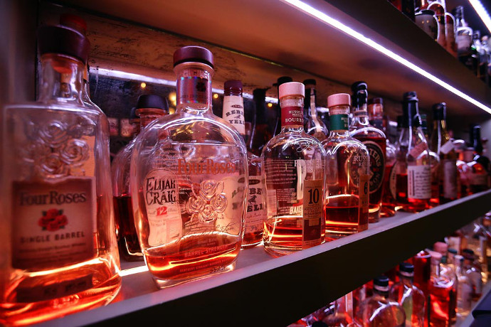 Learn Whiskey 101 at The Flatiron Room, Nov. 3 & 21 - Drink NYC ...
